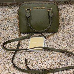Michael Kors Mini Crossbody bag. authentic